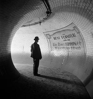 E.O. Hoppé: British Museum Underground Station, 1937