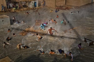 World Press Photo: People In The News Stories, first prize: Daniel Berehulak