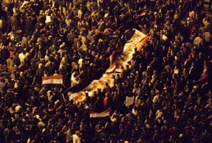Sean Smith in Cairo: Anti Mubarak protesters assemble to hear Mubarak's speech