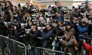 loads of photographers