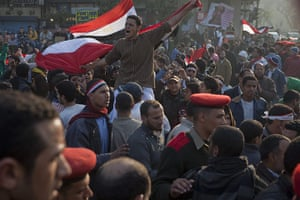 sean smith in tahrir sq : The army attempts to get protesters to leave Tahrir Square