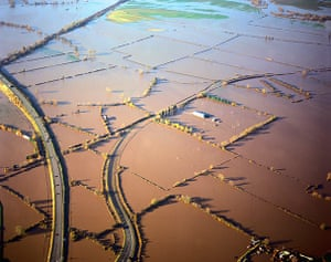Floods 2000: Flooding from River Trent