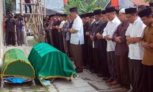 Ahmadiyah Islamic sect pray