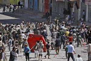 Yemen: Supporters of the Yemeni government