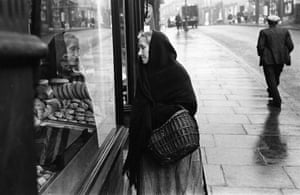 Wigan 1939: Baker's Window