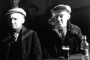 Wigan 1939: Wigan Drinkers