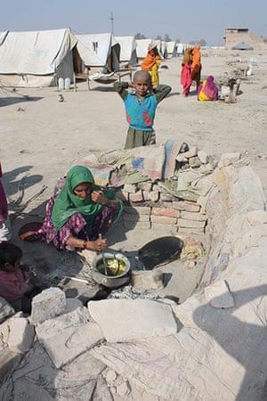 HelpAge in Pakistan: MDG : HelpAge International work for elderlies in Pakistan