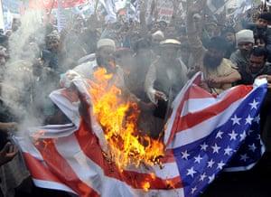 Pakistan: Activists of Pakistan's outlawed religio