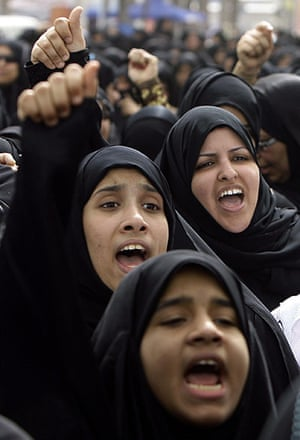 middle east unrest: Bahraini anti-government protesters
