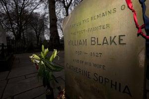 Bunhill fields cemetery: William Blake's gravestone, artist, poet and visionary (1757-1827)