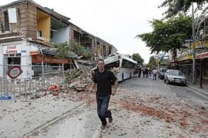 new zealand earthquake: 6.3 magnitude earthquake rocks christchurch