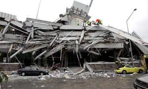 new-zealand-earthquake-survivors