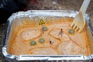 miniature sculpture: Slinkachu's Chicken Tikka Disasta