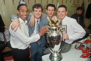 Giggs 20 Years: Ryan Giggs with teammates and Premiership Title 1993