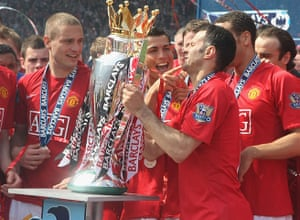 Giggs 20 Years: Giggs wins eleventh league title after playing Arsenal 2009