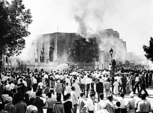 Muslim brotherhood: Muslim Brotherhood headquarters burns in 1954