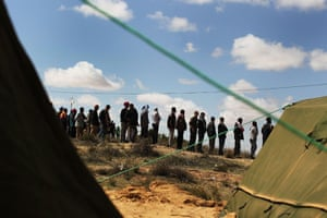 Libra unrest continues: Refugees who recently entered into Tunisia from Libya