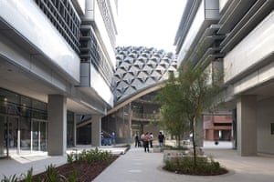 Masdar City: Masdar Institute