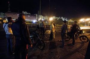 Venezuela Caracas : Caracas Venezuela. Saturday night police do random stop and search
