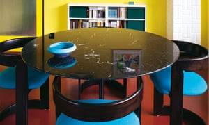 German apartment: dining room
