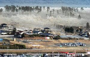 Japanese Earthquake: Earthquake and Tsunami in Japan - 11 Mar 2011
