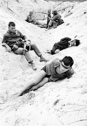 Henri Huet: Captured Viet Cong guerrillas