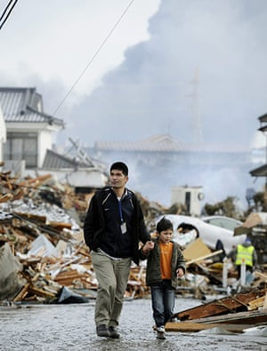 Japan - the day after: A walk through the devastation
