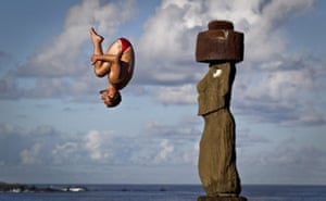 24 Hours in Pictures: Easter Island diver