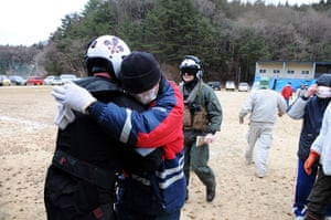 japan disatster: US Navy deliver aid in Wakuya