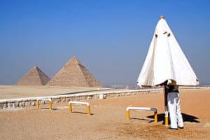 in pictures: difference: pyramid-parasol