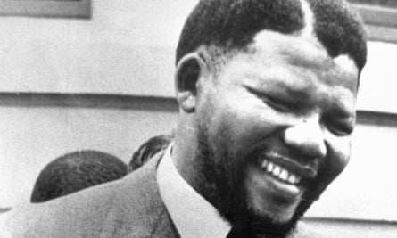 Nelson Mandelas pistol remains hidden in bitter dispute over money