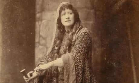 Ellen Terry in beetlewing dress as Lady Macbeth