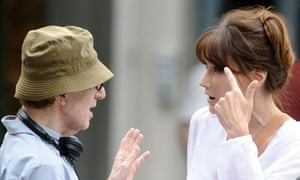 FRANCE OUT US director Woody Allen (L) a
