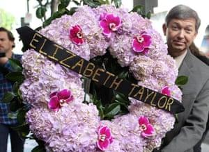 Elizabeth Taylor tribute: Tributes at the Elizabeth Taylor Star