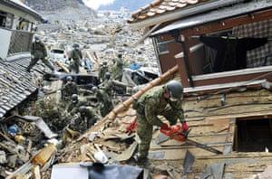 Japan : Japan Ground Self Defense Force members search in Onagawa