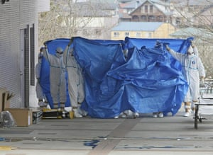 Japan : hospital workers who were exposed to radiation