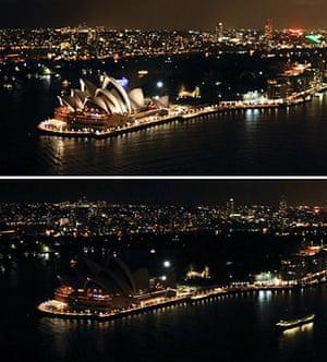 Earth Hour: Sydney skyline at 2011 Earth Hour