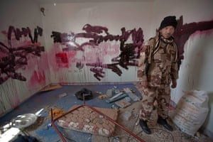 Sean Smith in Libya: Graffiti left by Gaddafi troops at Raslanuf
