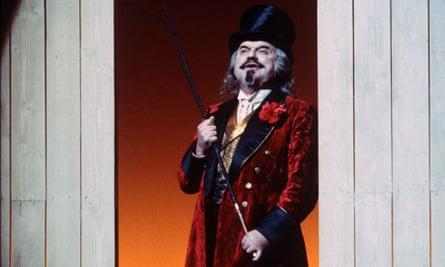 Robert Tear as the Ringmaster