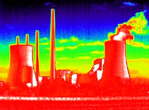 24 hours: A thermal image of a coal fired powerstation in Germany