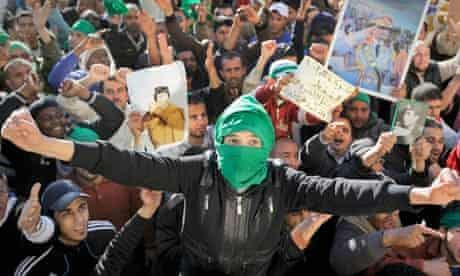 Pro-Gaddafi soldiers and supporters gather in Green Square, Tripoli