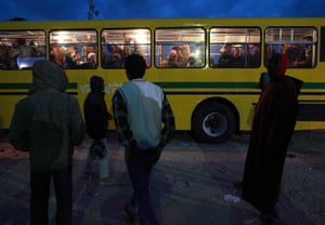 Libya Ras Jdir: A group of migrant workers who fled Libya arrive into the UNHCR camp