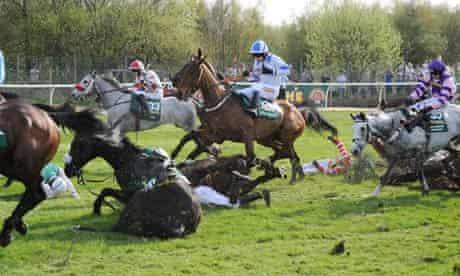 Horses fall at Bechers Brook