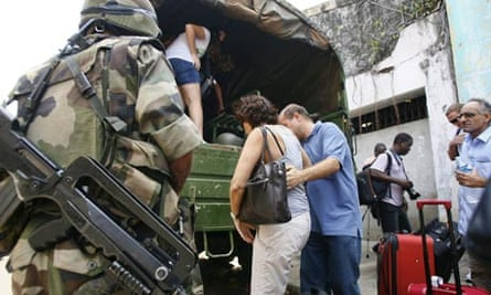 French troops evacuate French nationals from Abidjan