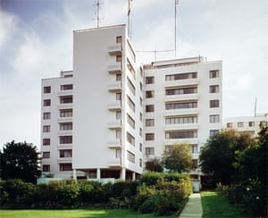 10 best: tall buildings: Highpoint Flats Highgate. Image shot 1982. Exact date unknown.
