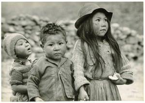 John G. Morris auction: South American Children, c.1962