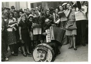 John G. Morris auction: Liberation, Marseilles, 1944