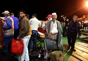 Misrata, Libya : Wounded Libyan civilians arrive in Benghazi