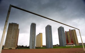 the red road flats glasgow distance