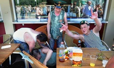 Drinkers in Russia.